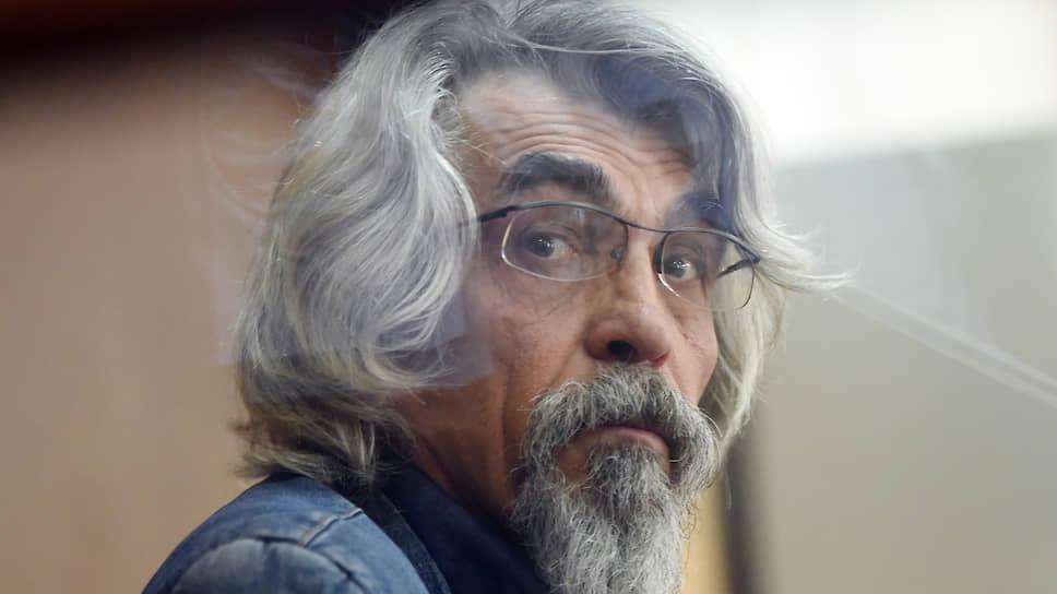 Глава «Мехстройтранса» Валерий Рогов заявил суду, что не знаком с фигурантами дела о преступном сообществе, но все равно попал под арест