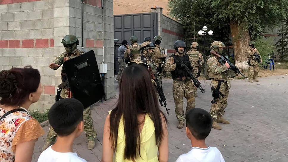 Как политическая борьба в Киргизии  переросла в силовое противостояние
