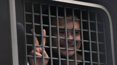 Правила переноса // Илья Яшин предложил Элле Памфиловой отменить выборы в Мосгордуму 8 сентября