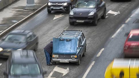 Автотранспорту определят пенсионный возраст // В Госдуме предлагают запретить эксплуатацию старых машин