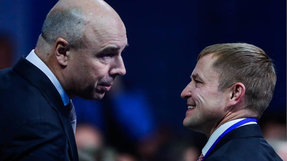 Первый вице-премьер — министр финансов Антон Силуанов объяснил малому бизнесу (справа — глава «Опоры России» Александр Калинин), что у него все хорошо
