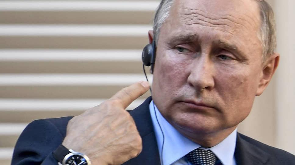 Запарижская сечь / Как Владимир Путин и Эмманюэль Макрон отдохнули на Лазурном берегу