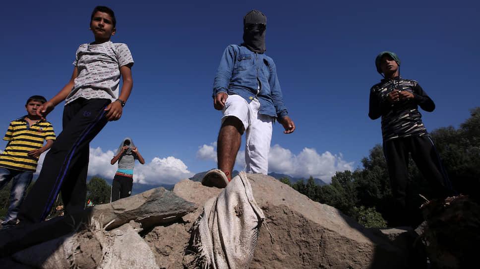 Как Кашмир пытается вернуться к нормальной жизни