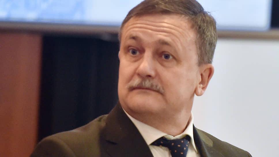 Первый заместитель главы ФТС Руслан Давыдов обещает подправить систему управления рисками, пока лишающую уполномоченных операторов положенных преференций