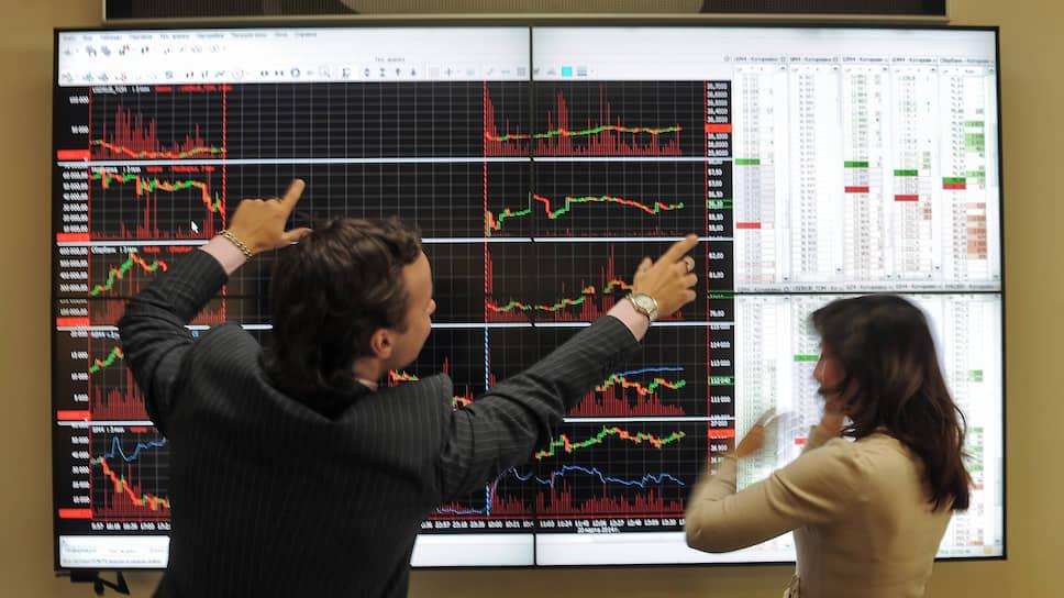 Как рублю добавили уверенности