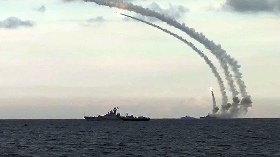 Пробил наш СЯС / Владимир Путин поручил проработать ответ на испытания американской крылатой ракеты