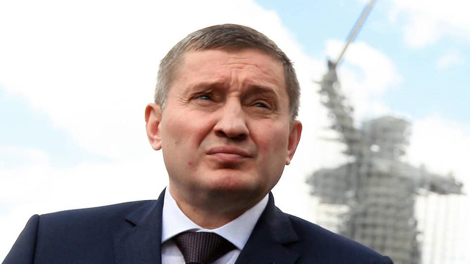 Губернатора Волгоградской области Андрея Бочарова позвала на выборы родина