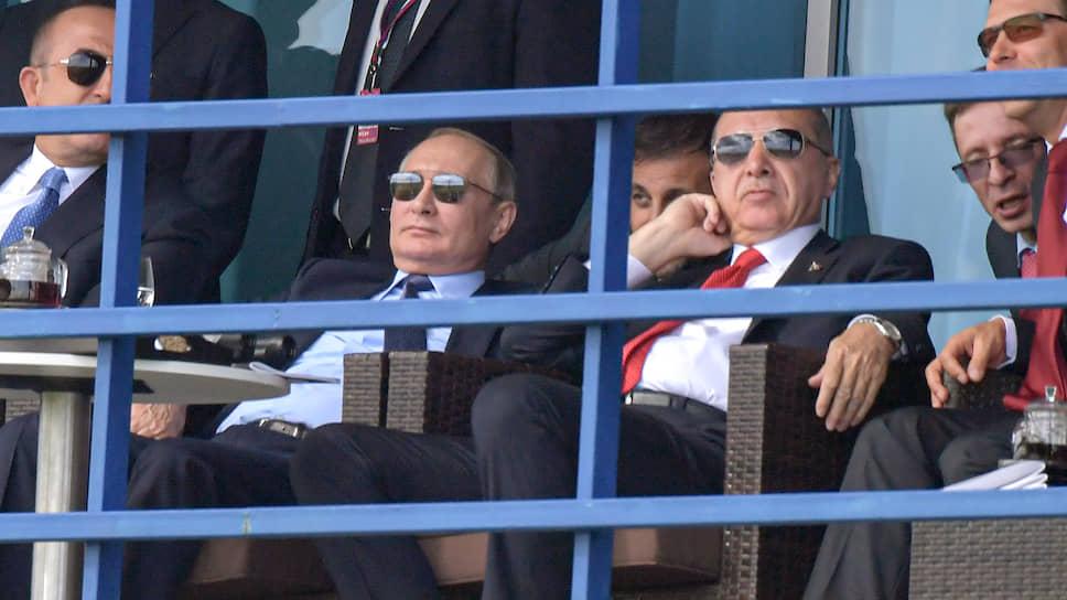 Владимир Путин и Реджеп Тайип Эрдоган на земле чувствовали себя так же расслабленно, как пилоты — в небе