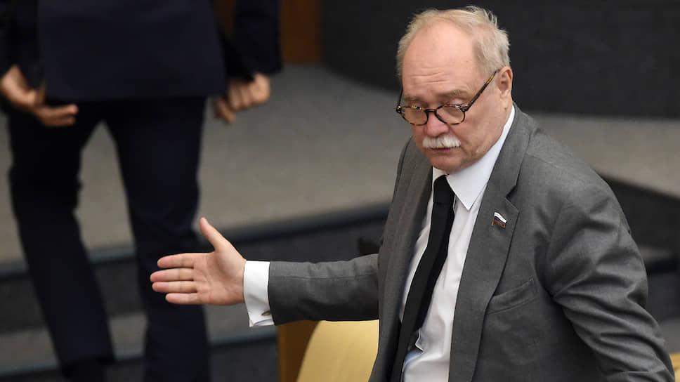 Первый заместитель председателя комитета ГД России по культуре Владимир Бортко