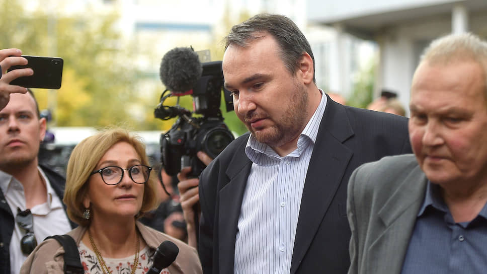 Петр Хомский намерен обжаловать предупреждение суда о необходимости изменения его отношения к воспитанию детей