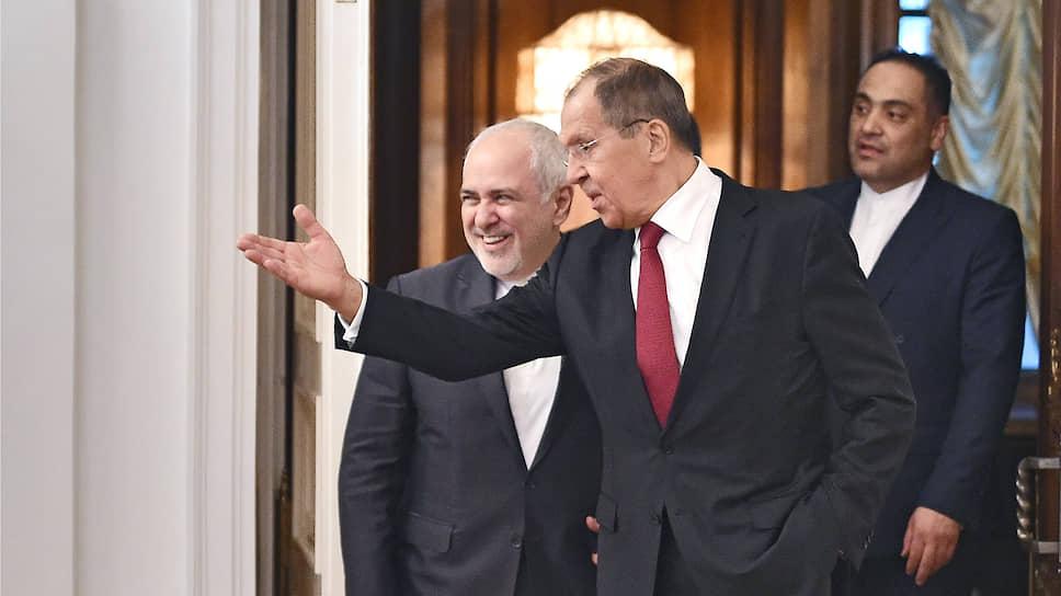 Как указал глава МИД РФ Сергей Лавров после встречи со своим иранским коллегой Мохаммадом Джавадом Зарифом, в Москве надеются на успешное завершение переговоров в Париже, нацеленных на спасение ядерной сделки