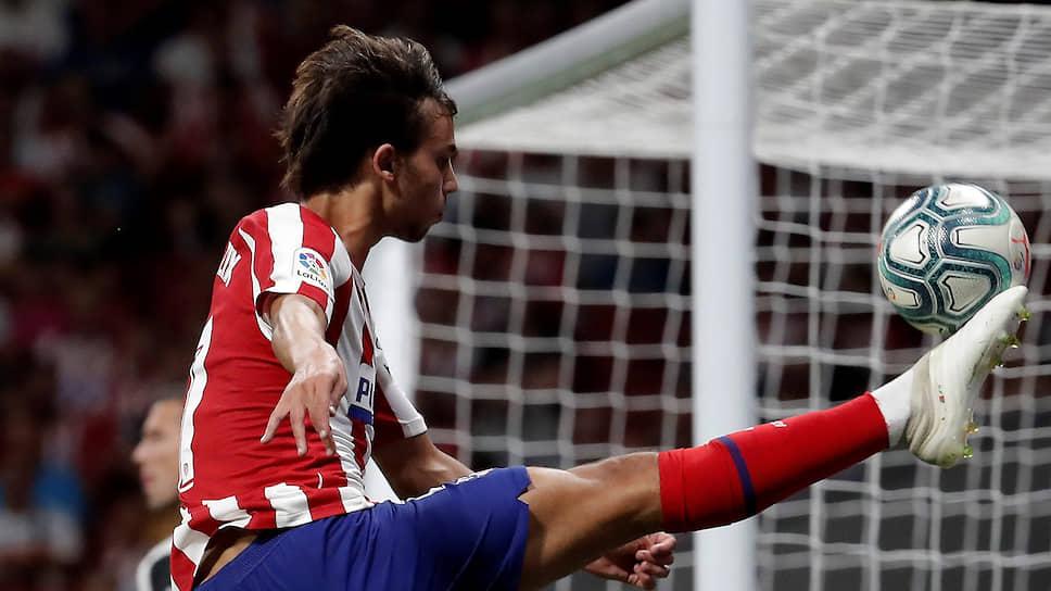 Продажа вундеркинда Жуана Фелиша из «Бенфики» в «Атлетико» за €126 млн стала самой дорогой «фьючерсной» сделкой в истории футбола