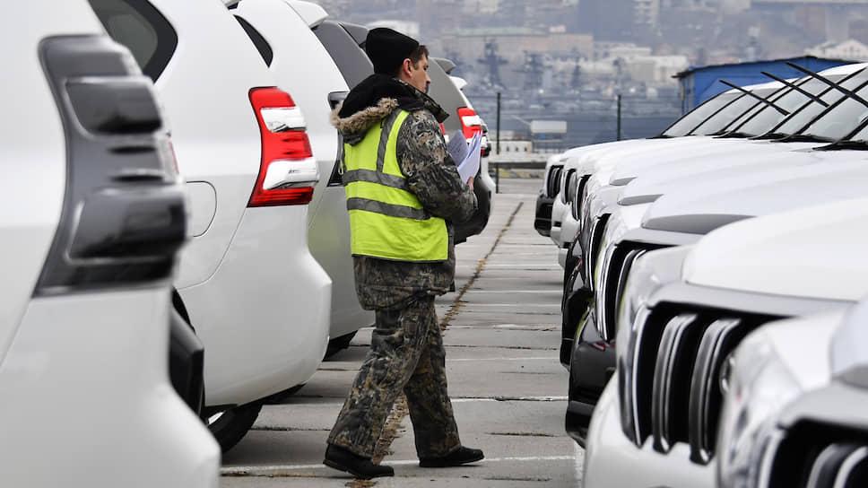 Правительство собирается повысить утилизационный сбор, что может привести к росту цен не только на импортные, но и на производимые в стране автомобили