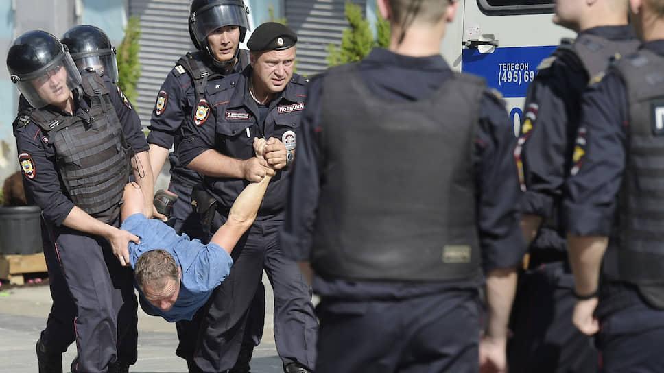 Почему правозащитники жалуются, что СКР игнорирует заявления избитых полицией митингующих