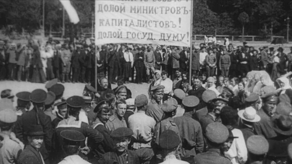 Кинохроника революционных событий не всегда похожа на тот эпос, каким их хотело показать советское игровое кино