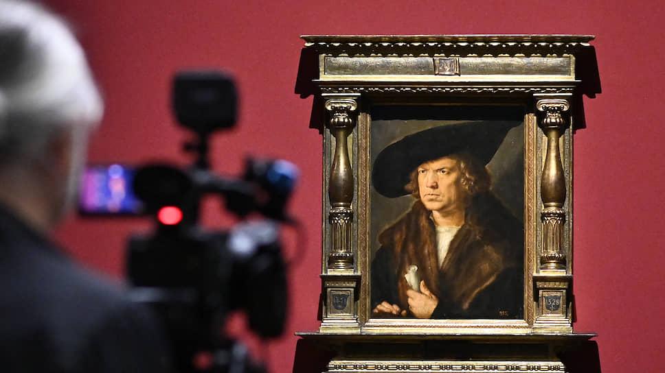 Приехавший из музея Прадо портрет безбородого мужчины в шляпе украсил рассказ об исследовательском прогрессе Дюрера