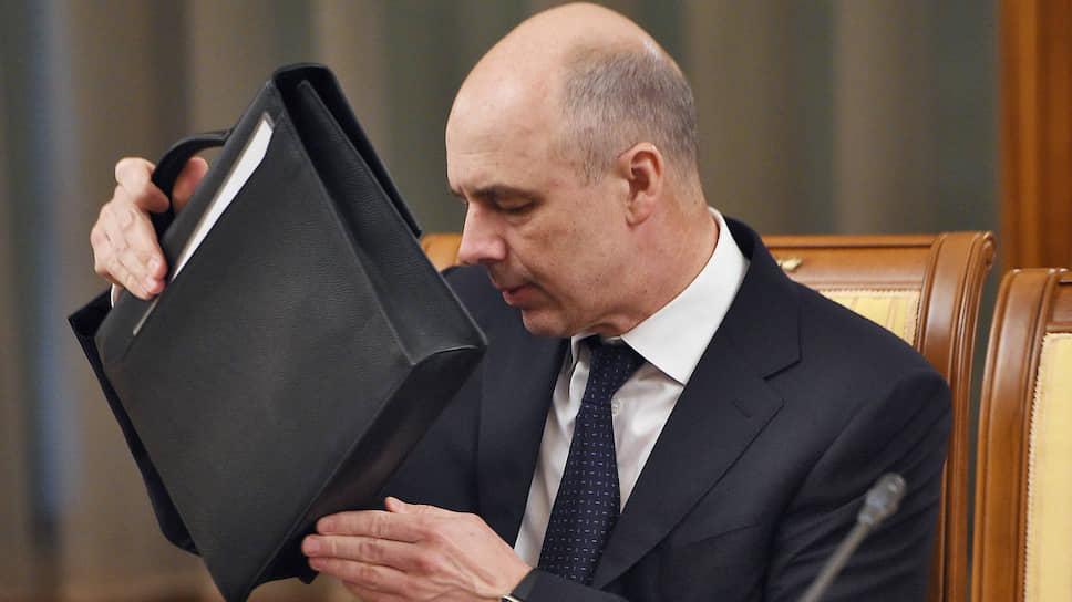 Гипотетический уход инфляции на дно позволит первому вице-премьеру Антону Силуанову найти в портфеле бюджетных расходов множество скрытых резервов