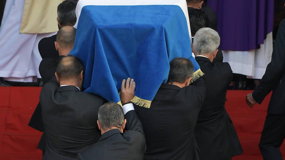 Ширак стоит мессы / Как с великим французским президентом прощались Франция и Владимир Путин