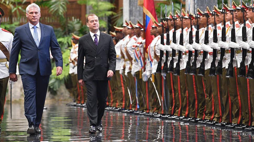 Российская сторона под руководством премьер-министра Дмитрия Медведева и вице-премьера Юрия Борисова неспешно, но последовательно входит в кубинские проекты