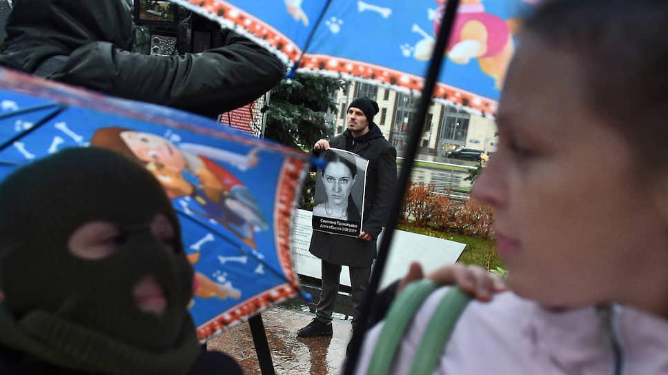 Участники пикетов «Бессмертного ГУЛАГа» разными способами пытались выявить связь памяти о репрессиях с актуальной общественно-политической повесткой
