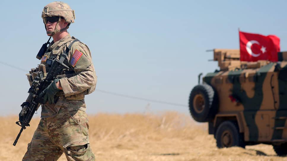 В Белом доме заявили о выводе американского контингента с севера Сирии, понимая, что оставляют своих союзников курдов один на один