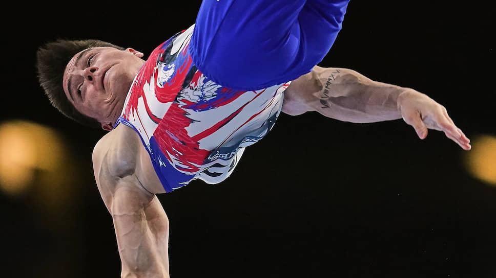 Никита Нагорный вслед за Артуром Далалояном выиграл золото чемпионата мира в личном многоборье