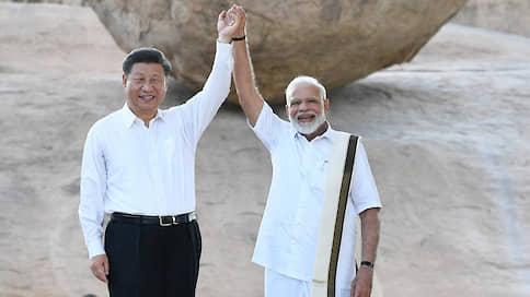 Китай и Индия сложились в треугольник // Сближение Пекина и Дели играет на руку Москве