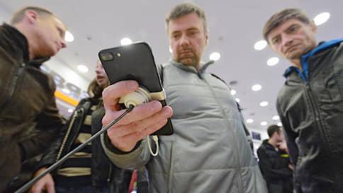 Покупатели кладут трубки  / МТС зафиксировала падение продаж смартфонов в России