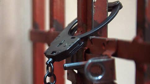 В стрельбе у рынка нашелся повод для ареста // Новосибирского предпринимателя заподозрили в вымогательстве денег у торговцев