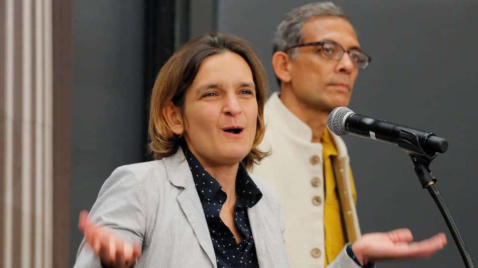 Нобелевские лауреаты-экономисты Абхиджит Банерджи и Эстер Дюфло открыли новый способ делать открытия в сфере борьбы с бедностью
