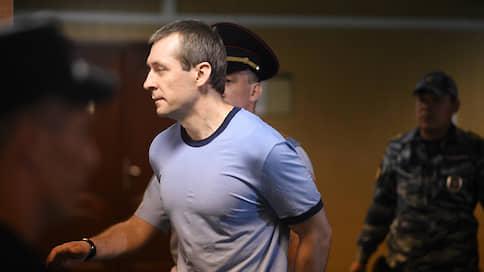 У Дмитрия Захарченко нашлось оправдание  / Полковник ГУЭБиПК МВД получил взятку ни за что