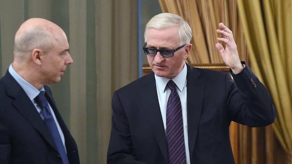 Главе РСПП Александру Шохину пришлось указать первому вице-премьеру Антону Силуанову на неточность, которая могла стоить бизнесу сотен миллиардов рублей