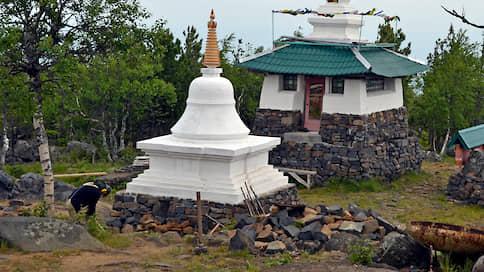 Буддисты сходят с горы  / «Евраз» добился от них согласия покинуть зону взрывных работ на Качканарском месторождении