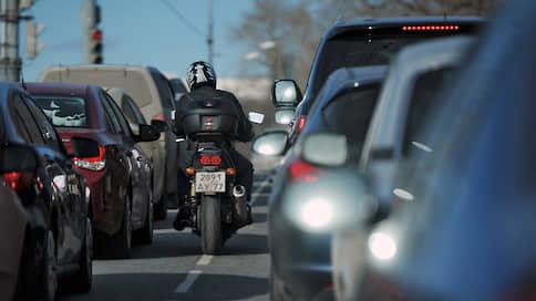 Мотоциклистам сокращают путь к автоправам  / Курсы для байкеров, желающих открыть категорию B, могут подешеветь
