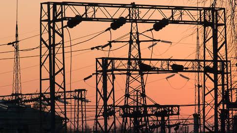 Центр на проводе  / Как «Россети» замыкают на себя все электросетевое хозяйство страны
