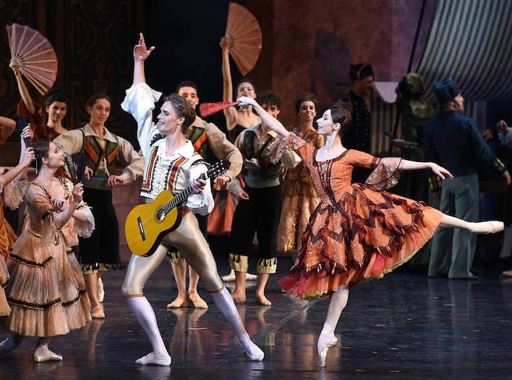 Ксения Шевцова и Денис Дмитриев правдоподобно изображали веселость, не забывая об аккуратности танца