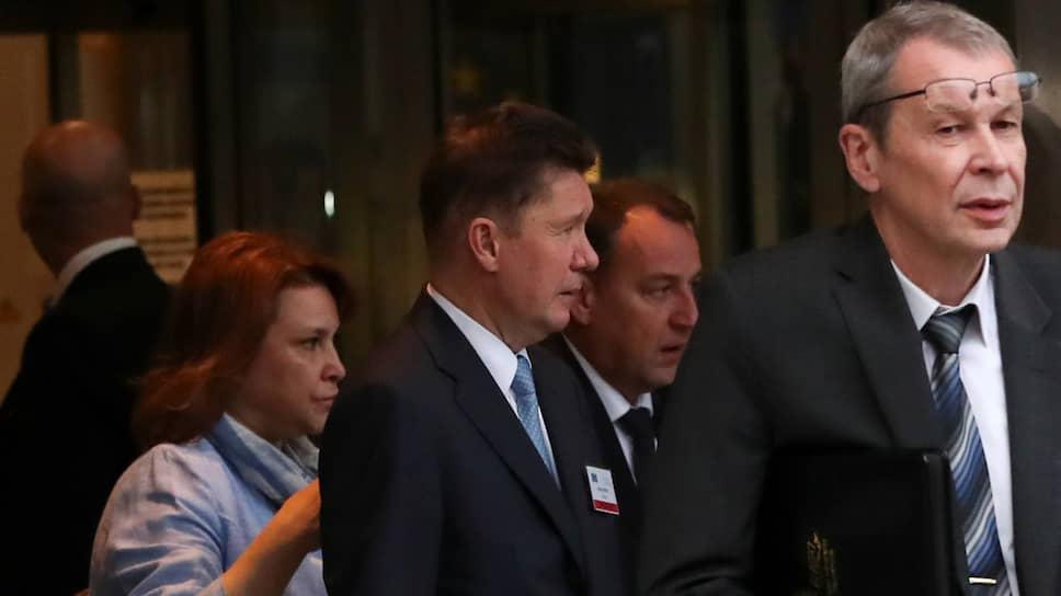 Глава «Газпрома» Алексей Миллер (в центре) на переговорах в Брюсселе столкнулся с тем, что российская внешняя политика оттеснила коммерческие интересы монополии на задний план