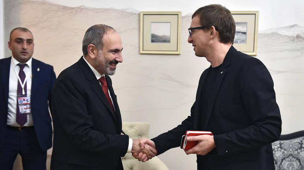 «Какие у нас отношения с Азербайджаном, не секрет»: интервью премьера Армении газете «Коммерсантъ»