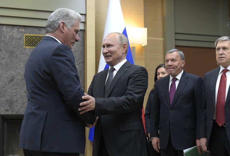 Президент Кубы Мигель Диас-Канель Бермудес (слева) и президент России Владимир Путин
