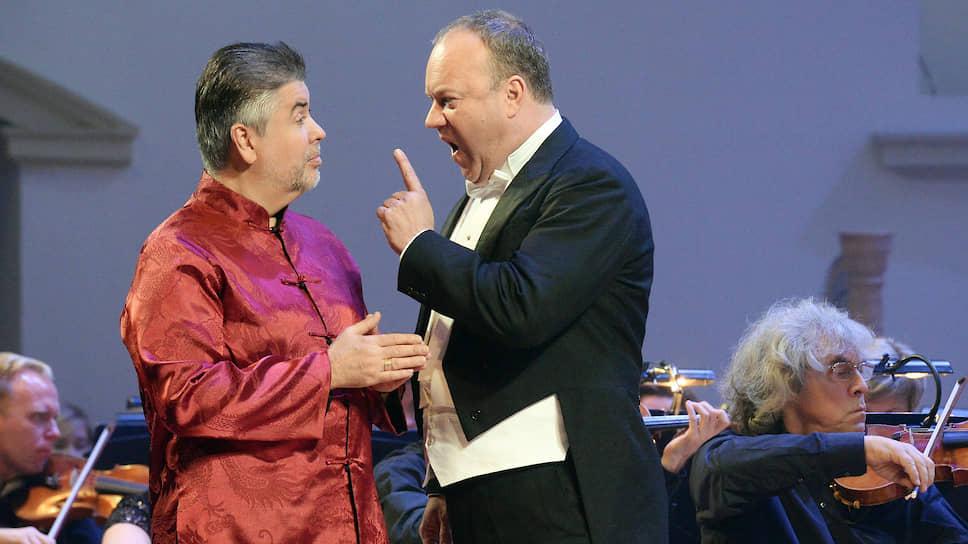 Гордого, но обреченного Вотана спел в команде Владимира Юровского датский баритон Йохан Ройтер (справа)