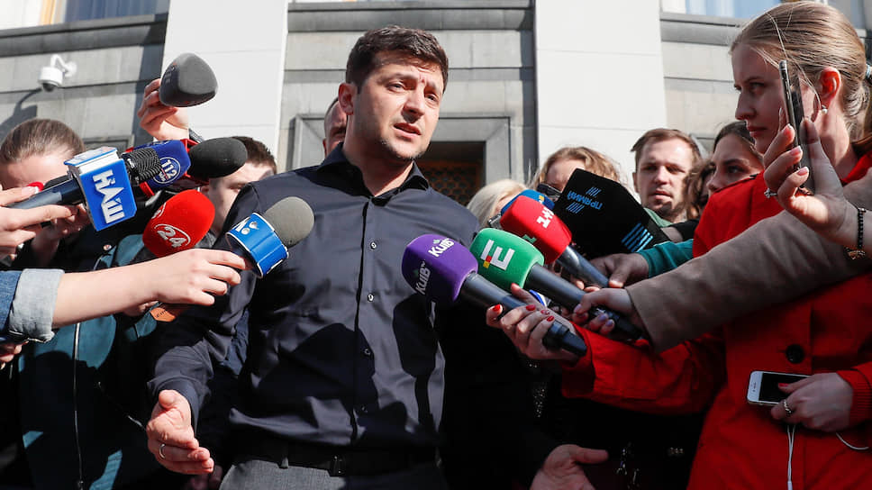 Чиновники устали повторять, что инициированный президентом Украины Владимиром Зеленским закон, регулирующий работу медиа, вовсе не угрожает свободе слова