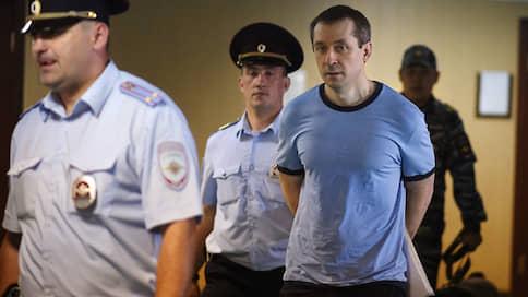 «Лефортово» склонилось к побегу Дмитрия Захарченко  / Авторитетный заключенный из МВД получил ужесточение режима и готов к отправке по этапу
