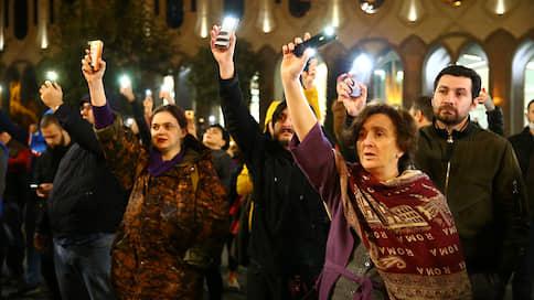 Бидзину Иванишвили подвели под протест  / Депутаты грузинской правящей партии не подчинились лидеру