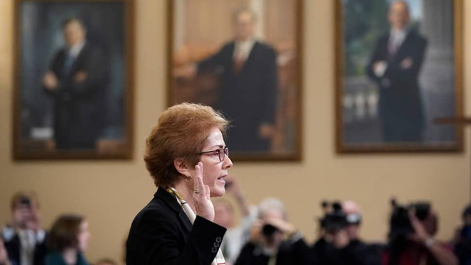 Экс-посол США на Украине Мари Йованович заверила участников слушаний, что на своем посту работала для продвижения американской политики — одобренной и демократами, и республиканцами