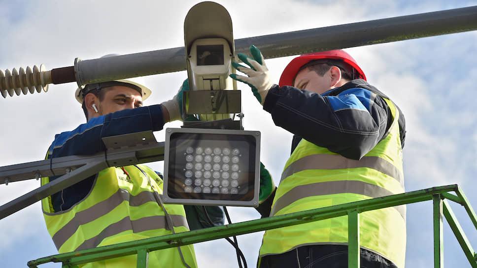 Дорожные камеры должны быть видны водителям издалека, считают в Минтрансе