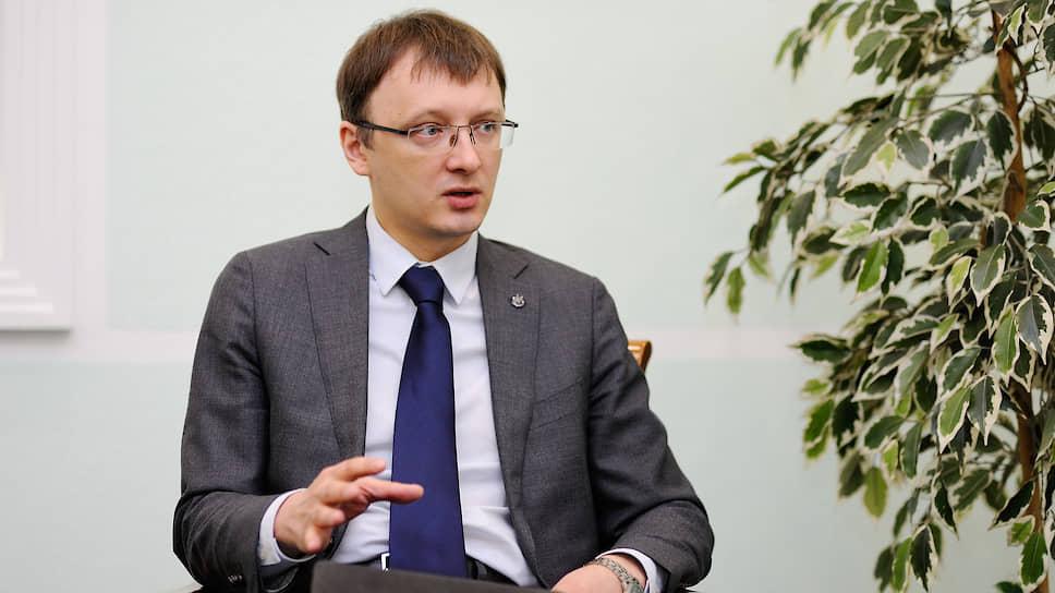 Директор департамента противодействия недобросовестным практикам ЦБ Валерий Лях — о нелегальных брокерах и мошеннических схемах