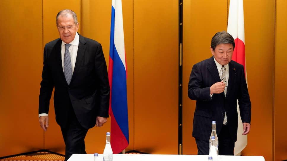 Позиции по Курильским островам России и Японии (на фото – главы МИД Сергей Лавров и Тосимицу Мотэги) по-прежнему принципиально расходятся