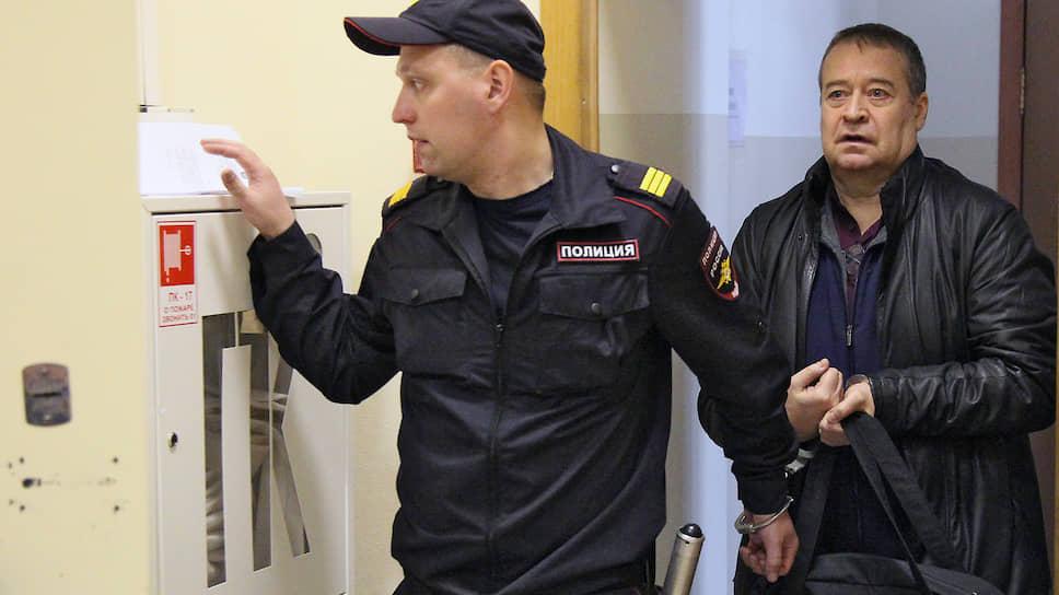 Бывший глава Республики Марий-Эл Леонид Маркелов (справа)