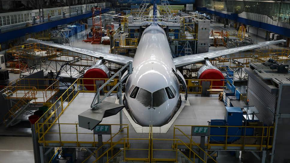 Хождение по МАКам / «Ростех» хочет наладить экспорт авиатехники с помощью Межгосударственного авиакомитета