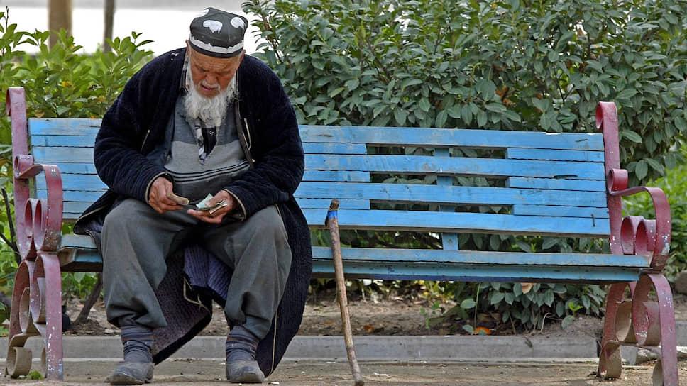 Новые правила Нацбанка Таджикистана могут оставить жителей страны без почти $2,5 млрд из России